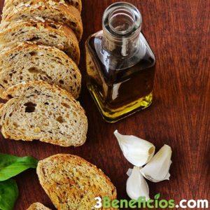 Pan con aceite de oliva y ajo
