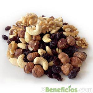 Variedad de nueces ricos en proteinas y minerales